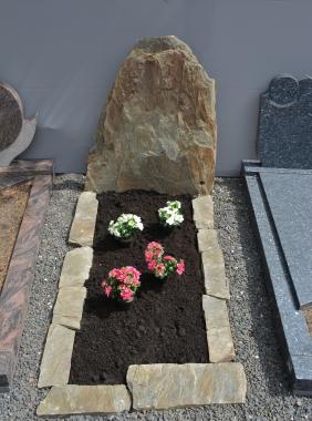 Ruw grafmonument