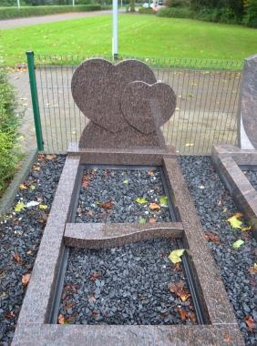 Grafsteen dubbel hart
